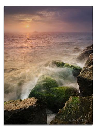 new light lighthouse rain fog del sunrise boat fishing waves off shore dell jersey barnegat charter delhiggins