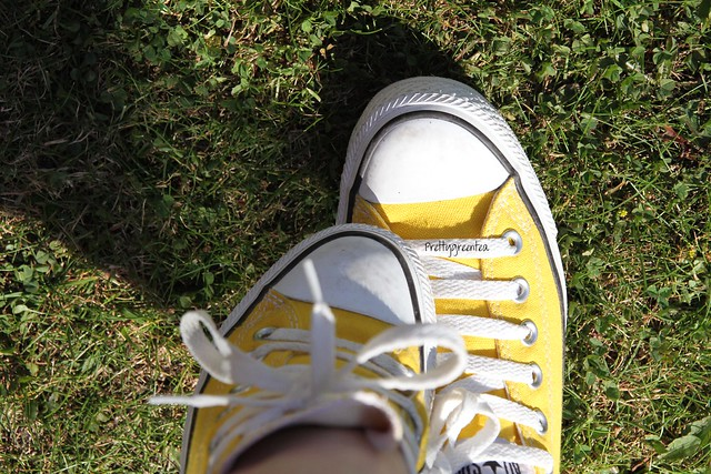 prettygreentea converse yellow