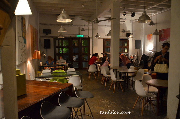 Classic place to chill at china house beach street for Terrace 9 classic penang