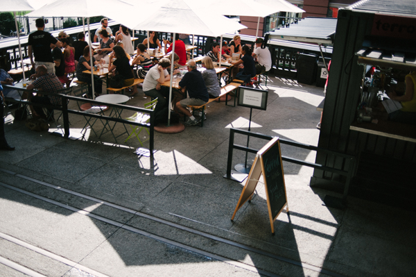 eating on The High Line