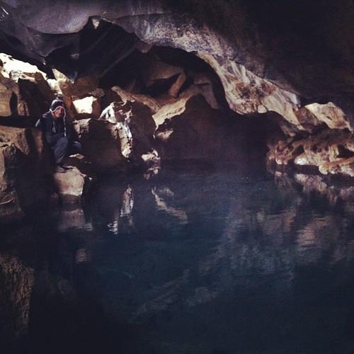 3.- Laguito subterráneo con agua a 45ºC #FIN #Grjótagja #iceland #islandia #tripiniceland