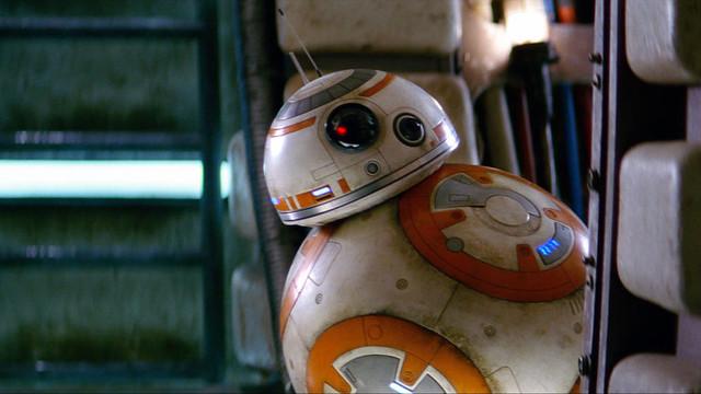 Як створювався дроїд BB-8 для «Зоряних війн – Пробудження сили» (Відео)
