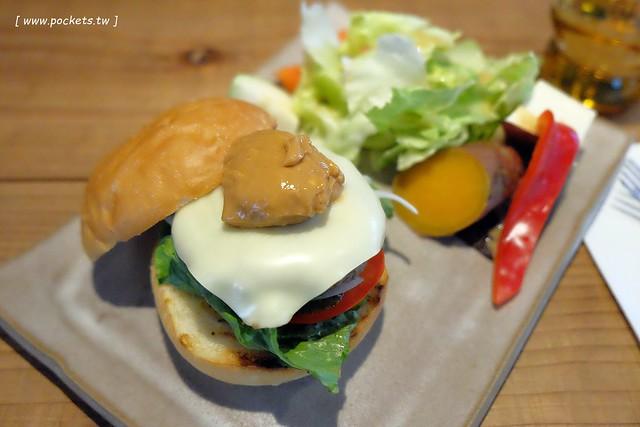 29791310546 93e46254c3 z - 小葛廚房 Glady's Kitchen:優質空間的早午餐店,餐點以手作漢堡為主,鄰近水湳市場和美國學校