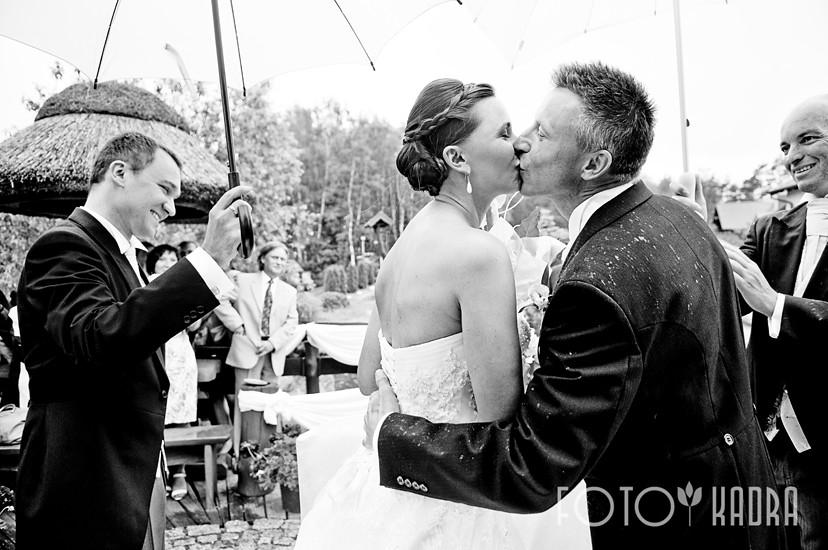 zdjęcia ślubne w plenerz -Toruń