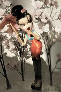 "Bratz Next Super Model - Week 11: ""Pin-Up Princess - Silvia - Mulan"