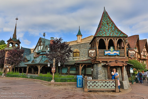 DLP June 2012 - Wandering through Fantasyland