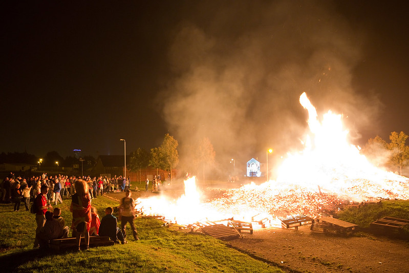 Watching the Shankill Bonfire