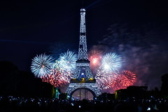 [Free Images] Architecture, Towers, Eiffel Tower, Landscape - France, France - Paris, Fireworks, Night View ID:201207302000