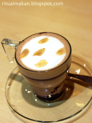 hot choco with hazelnut