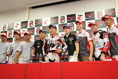 TOP10トライアルによる上位3チームの集合写真