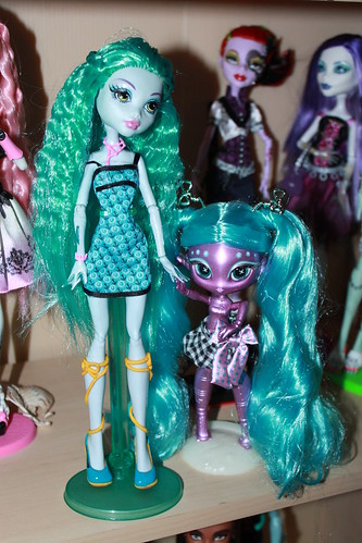 Lagoona and her lil' alien sister