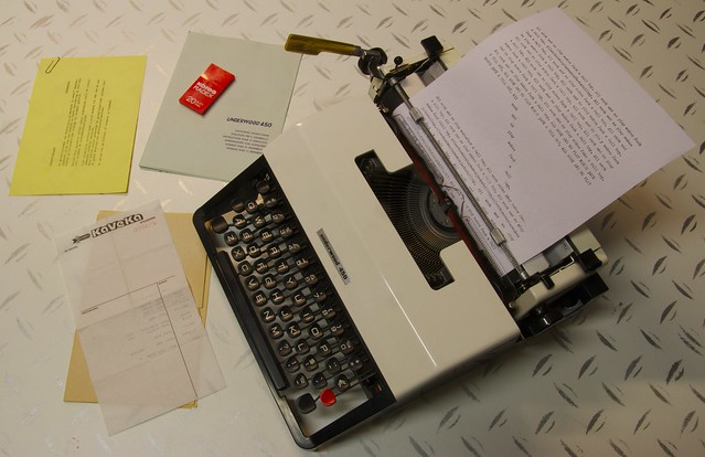 Underwood 450 Typewriter (circa 1973)