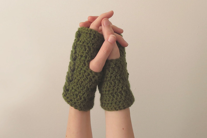 Copy-of-Rainier-Handwarmers-Olive-2