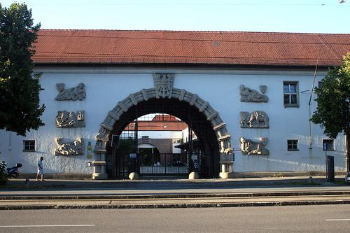 Am Postpalast