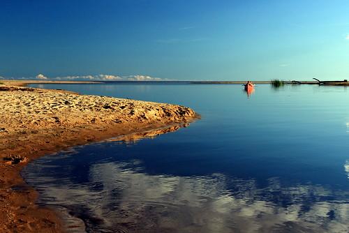 sea beach nature strand aperture meer day sweden schweden canoe clear sverige fluss kanu reflexions plage suède halland falkenberg onthewaterfront flickrfriday långasand mündung flussmündung suseån västsverige mygearandme removedfromflickrfridaynotcurrenttheme