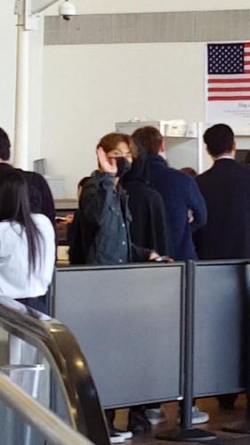 Big Bang - Los Angeles Airport - 06oct2015 - MiNatwOnnie - 08