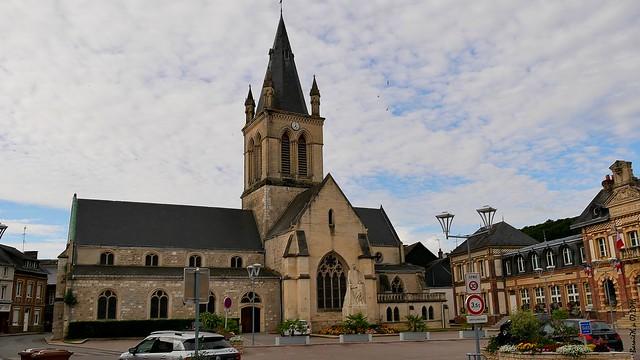 L'église et la Mairie de Pavilly (SM)