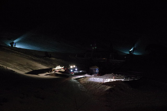 Charlotte Pass Village - snow groomer at night