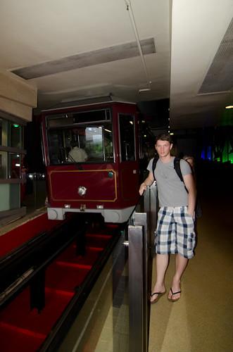 hong-kong peak tram