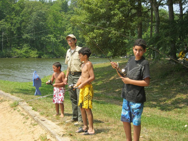 Virginia state parks hooked on backyard bass at bear for Bear creek fishing