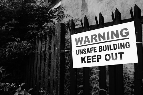 Warning Unsafe Building