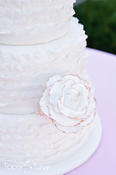 vintage-ruffled-wedding-cake-bronzed-rose