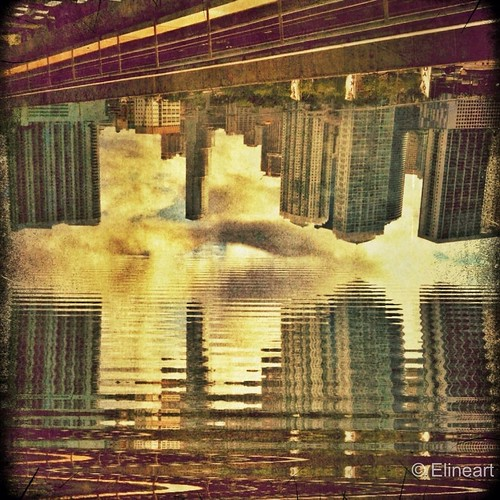 29:365 Upside Down City by elineart