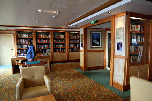 Norwegian Pearl - The Other Side of the Library