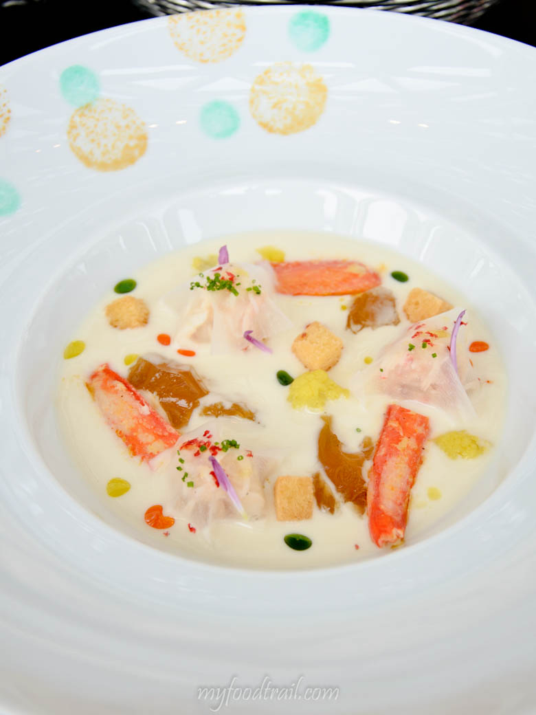 Joel Robuchon au Dome, Macau - Crab meat with cauliflower cream