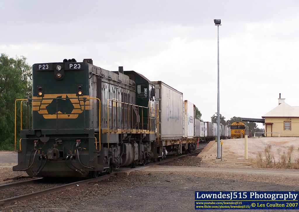 P23, G532 & G512 at Tocumwal by LowndesJ515