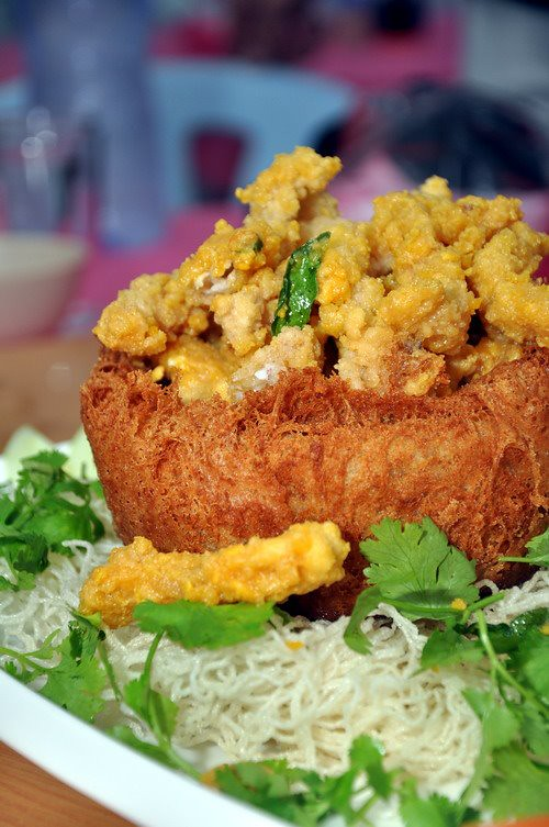 Yam Basket with Deep Fried Mantis Prawn with Salted Egg Yolk