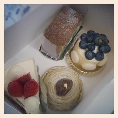 第一次係中醫館食蛋糕!