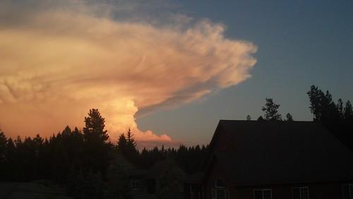 cloud thunderstorm thunderhead cumulonimbus mammatus tstorm anvilhead