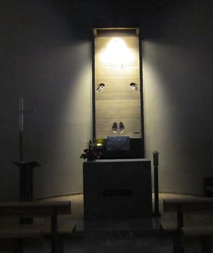 手と足だけのキリスト・・・モンセラットの教会 by Poran111
