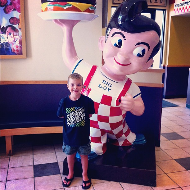 Posing with Big Boy at Bob's Big Boy yesterday. HAD to take a photo!