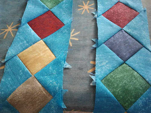 Mi quilt con rombos y flores by Mimí Bulacio