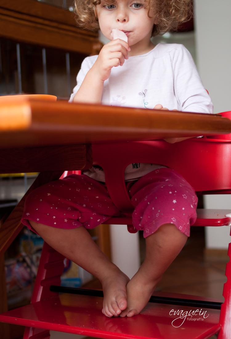 20120805Val-trona-roja-desde-abajo-come-jamón004-R3-BLOG