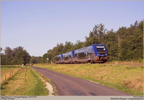 SNCF X73716 @ Négrondes