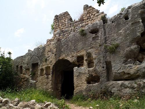 Tumbas romanas excavadas en la roca