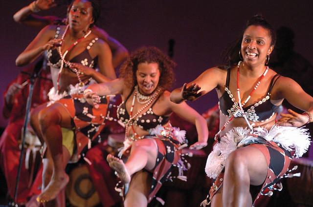 Kùlú Mèlé African Dance & Drum Ensemble.