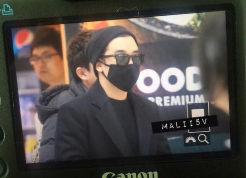 Big Bang - Incheon Airport - 21mar2015 - Seung Ri - MALII5V - 01