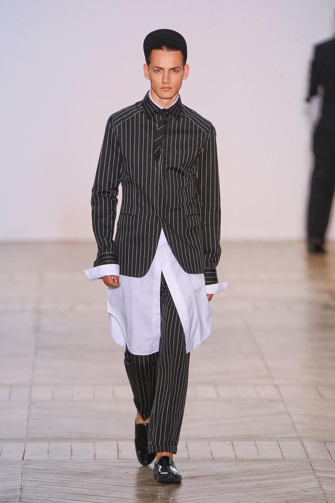 Jakob Hybholt4029_SS13 Paris Juun J.(fashionising.com)