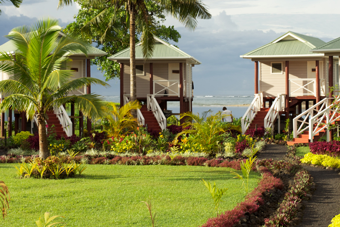 http://www.waterwaystravel.com/surf_samoa/salani/salani_accomodations.php Samoa Surf Resort, Salani Surf Lodge Samoa