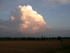 nuage cloud  ענן    wolk  о́блако   wolke 云     구름   nube غيمة - Photo of Savianges