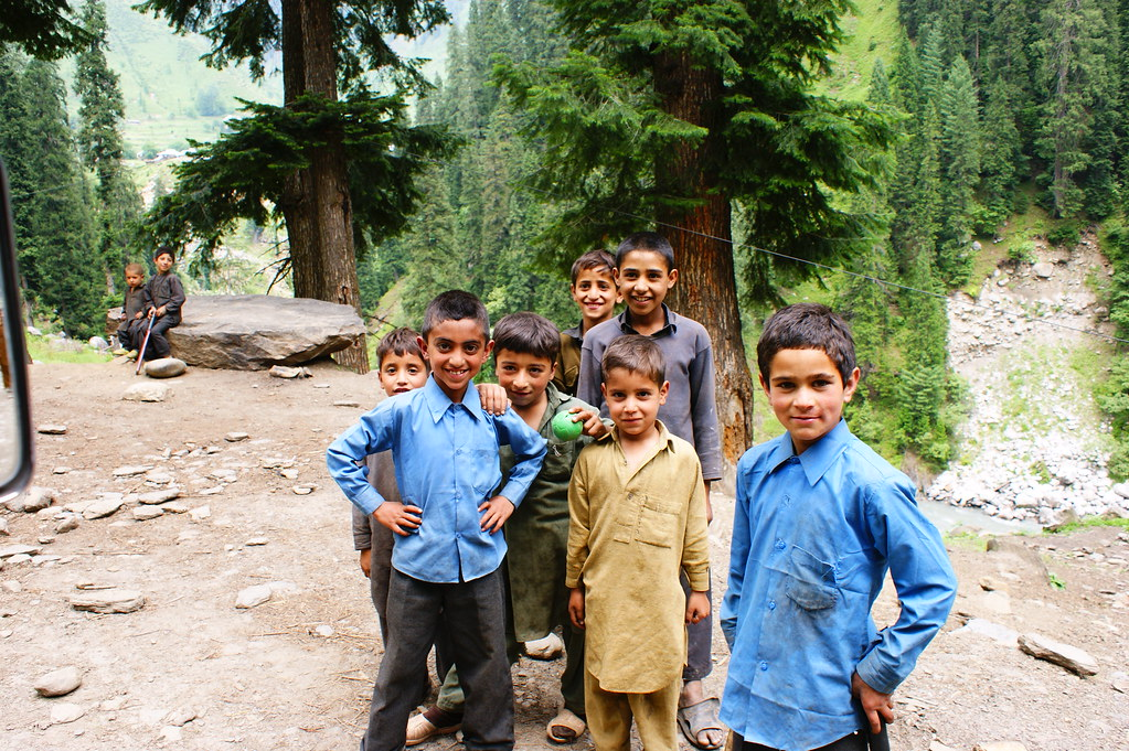 """MJC Summer 2012 Excursion to Neelum Valley with the great """"LIBRA"""" and Co - 7595540992 6fe037c0f6 b"""