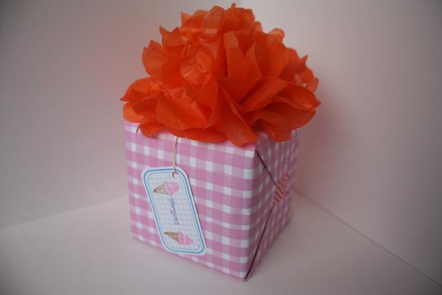 Giftwrap by Usagi Por Moi