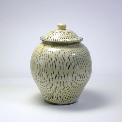 黒木富雄窯 5合壺/飛びかんな・乳白