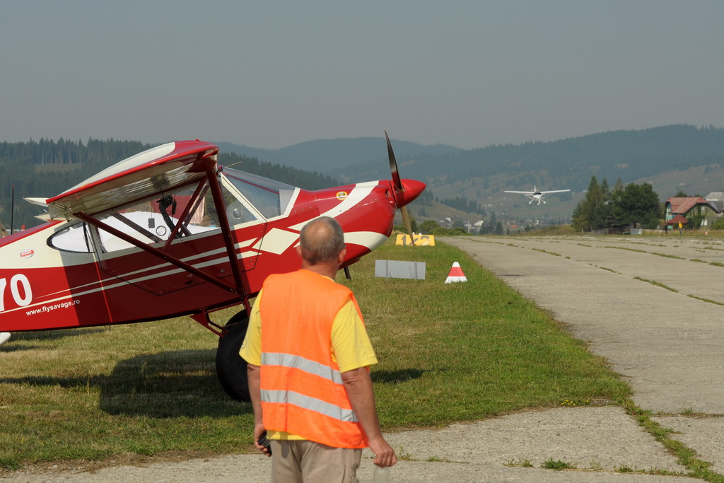 Fly-in @ Floreni - Mitingul cailor putere - Poze 7677971338_6795093cc9_o