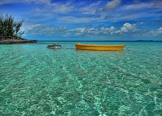 Eleuthera Swim to the Yellow Boat