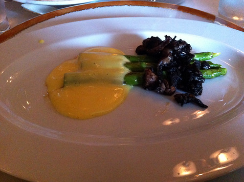 Norwegian Pearl - Le Bistro - Asparagus and Mushrooms with Orange Hollandaise